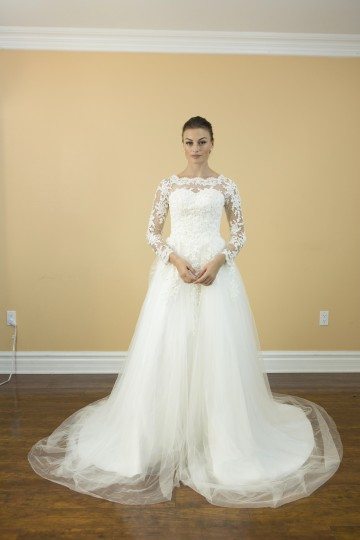 White Lace Satin Tulle Handmade Long Sleeves A Royal/Classic Style Long Sleeves Bridal Gown Appliques Back Traditional Wedding Dress Size 4 (S)