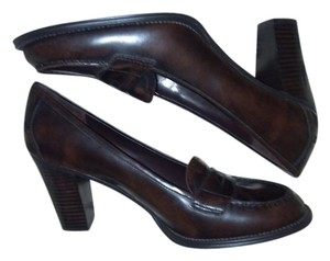 Daisy Fuentes Brown Pumps