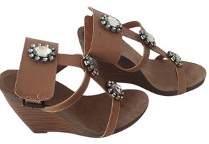 ShoeDazzle Brown Wedges