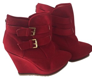 ShoeDazzle Red Boots