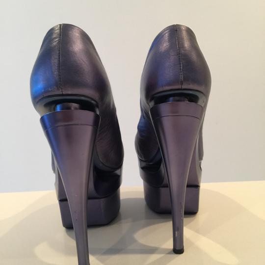Versace Gianni Metalic blue Pumps