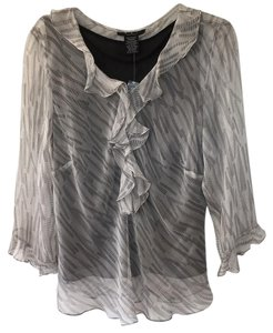 Eci New York Top White With A Black Pattern