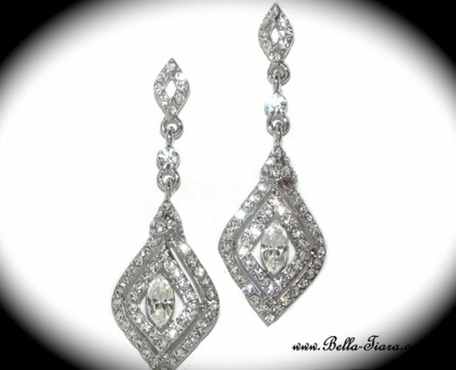 Item - Silver and Pearl Special Swarovski Crystal Drop Earrings