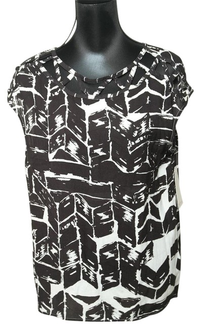 Preload https://img-static.tradesy.com/item/16655500/ella-moss-black-loose-cut-out-blouse-size-8-m-0-1-650-650.jpg