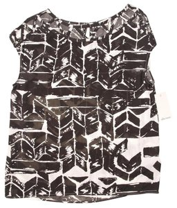Ella Moss Loose Cout-out Neckline Multi Geometric Casual Top Black