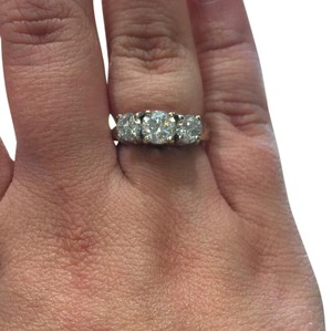 Kay Jewelers Ladies 1.85 CTW diamond ring