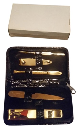 Preload https://item4.tradesy.com/images/black-genuine-new-gold-manicure-set-formal-shoes-size-us-4-1665618-0-0.jpg?width=440&height=440