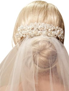 Wedding White Pearl Hair Design