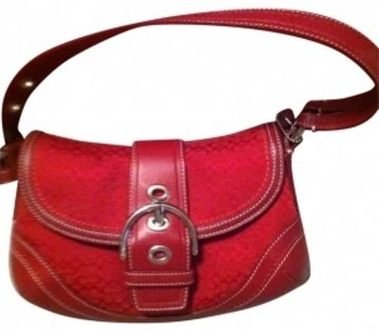 Preload https://img-static.tradesy.com/item/16657/coach-classic-purse-in-red-cloth-shoulder-bag-0-0-540-540.jpg