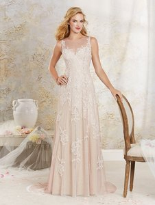 Alfred Angelo 8530 Wedding Dress