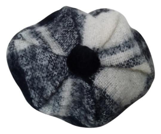 WOOLMARK Beret wool original Great Britain white and black design size all