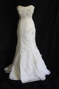 Melissa Sweet Ivory Silk Garza Arabella Feminine Wedding Dress Size 6 (S)