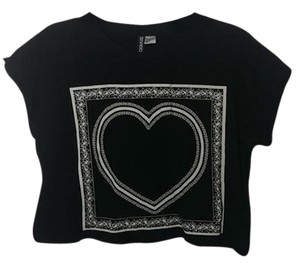 Forever 21 Crop Cute Trending Trendy Love T Shirt black with white heart