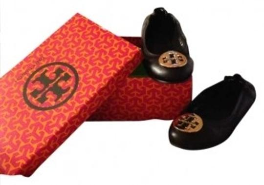 Preload https://item2.tradesy.com/images/tory-burch-black-revas-flats-size-us-75-166616-0-0.jpg?width=440&height=440