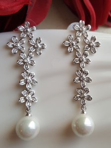 Bridal Pearl Drop Earrings