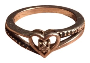 0 Degrees Ring With Heart Center