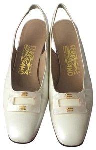 Salvatore Ferragamo Pearl cream Pumps