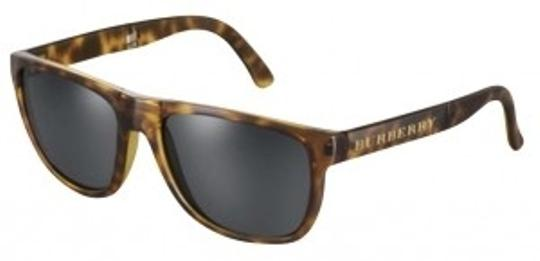 Preload https://img-static.tradesy.com/item/166734/burberry-tortoise-sunglasses-0-0-540-540.jpg