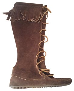 Minnetonka Moccasin Lace Up Suede Fringe Brown Boots