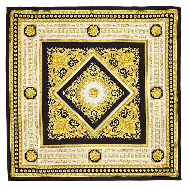 Item - Black and Gold Classic Desiggn Pure Silk Squre Large Scarf/Wrap