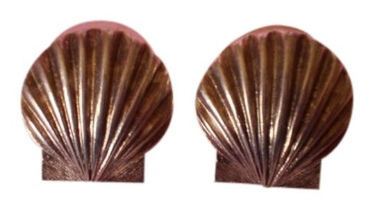 Other Shell Stud Earrings