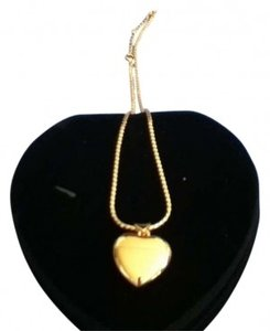 Costume heart locket necklace