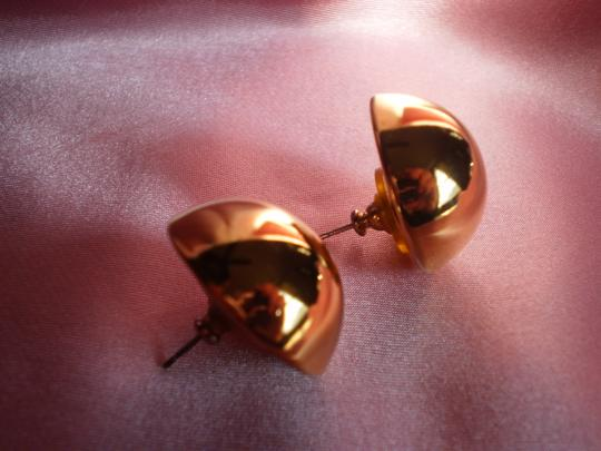Other Like New Button Earrings