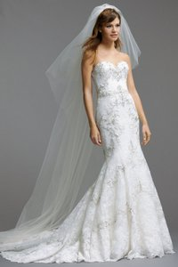 Watters & Watters Bridal Ivory Alencon Lace and Full Body Contouring Olina Formal Wedding Dress Size 8 (M)