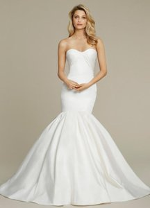 Jim Hjelm 8562 Wedding Dress