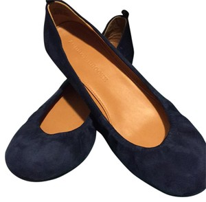 Audrey Brooke navy blue Flats