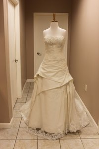 Enzoani Ambriz Wedding Dress