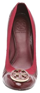 Tory Burch Leather Patent Elastic Gold Wood Maroon, Bordeaux, Red, brown Wedges