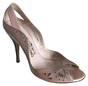 Salvatore Ferragamo Taupe Nude Blush / Gray Pumps