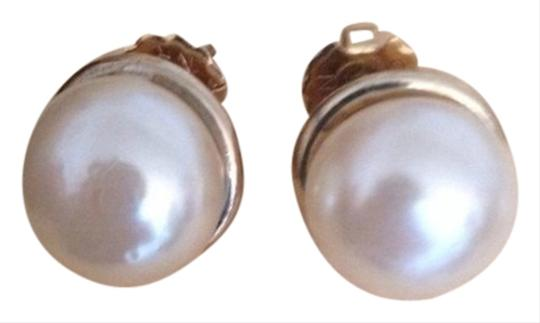 Avon Classic Large Pearl Button Earrings