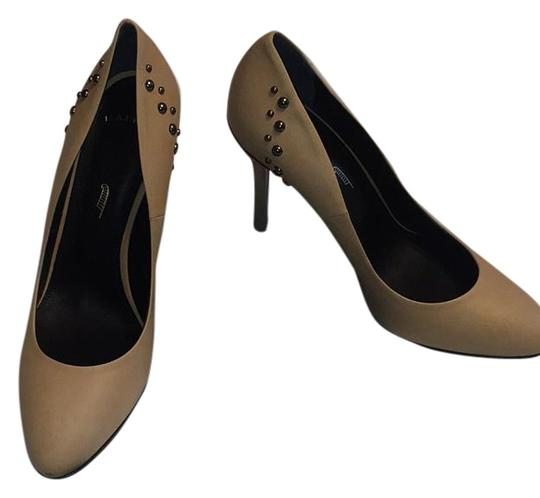 Maiyet Pumps
