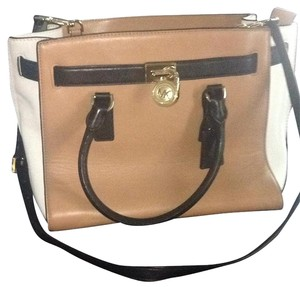 Michael Kors Satchel in Black/tan