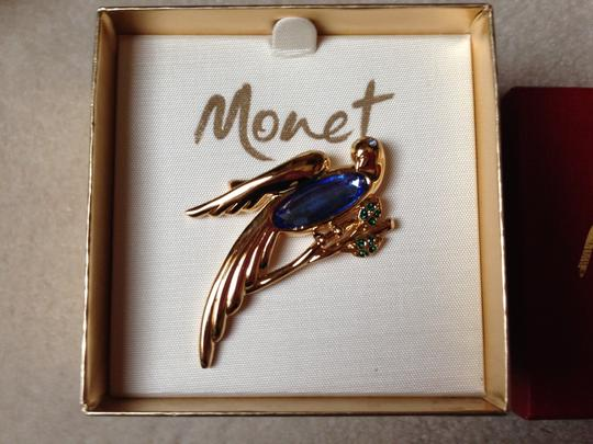 MONET Monet Brooch - Gold tone with Blue Sapphire Stone