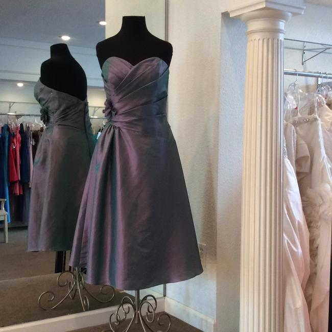 Item - Iridescent Lilac Taffeta Formal Bridesmaid/Mob Dress Size 6 (S)