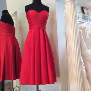 Mori Lee Red Satin Feminine Bridesmaid/Mob Dress Size 8 (M)
