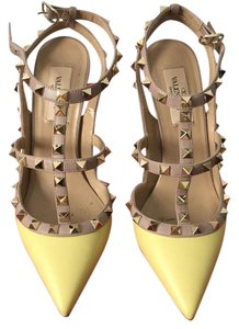 Valentino Rockstud YELLOW Pumps