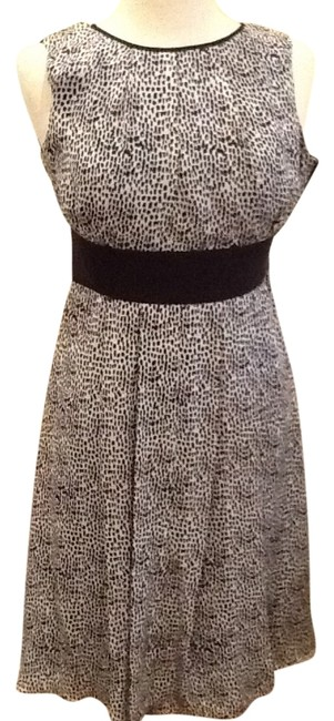Preload https://img-static.tradesy.com/item/1669746/michael-kors-navy-blue-with-black-an-white-knee-length-workoffice-dress-size-2-xs-0-0-650-650.jpg