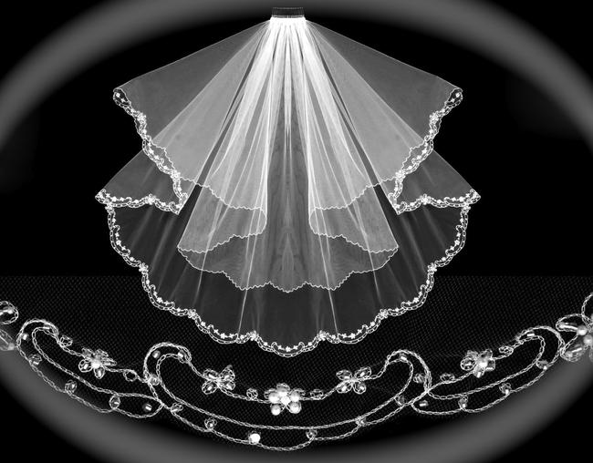 Item - Diamond White/Off White Medium Romantic Scalloped 2 Tier Bridal Veil