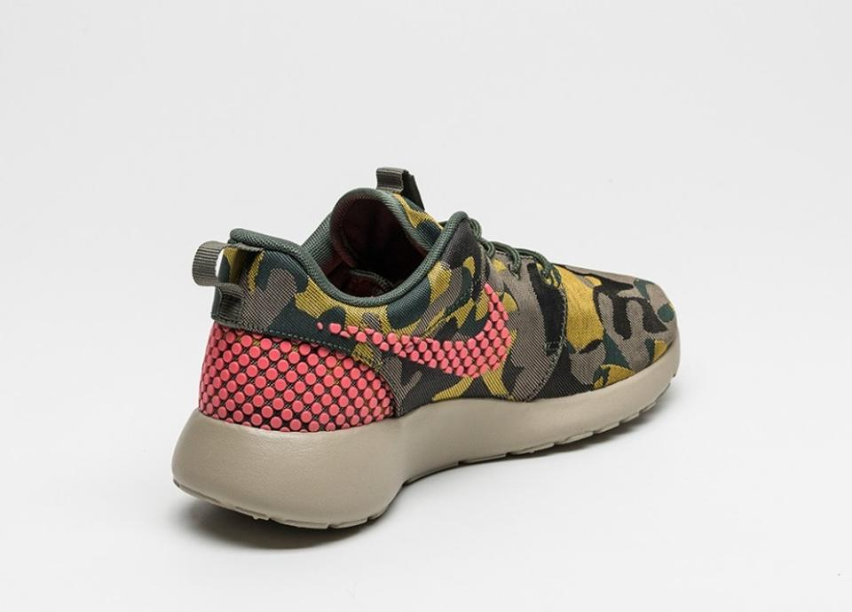 cd3d3d821aed3 Nike Multi-color Women s Roshe One Premium Plus Casual Camouflage Prints New  In Box Sneakers Size US 8 Regular (M