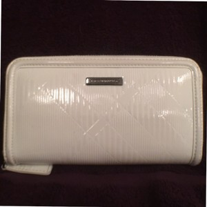 Burberry Patent Soft Leather Large Wallet/Clutch Burberry