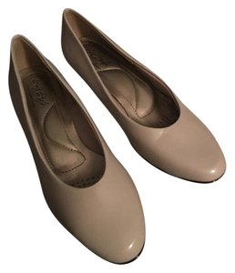 Hush Puppies Putty Pumps