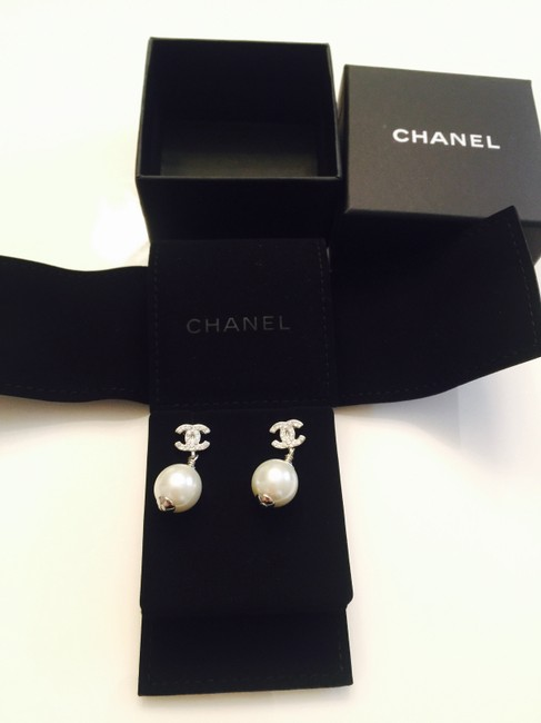 Item - White Pearl New 2014 Iconic Silver Cc's Dangling Earrings