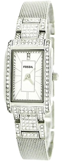 Preload https://item5.tradesy.com/images/fossil-fossil-female-dress-watch-es2911-white-analog-1671334-0-0.jpg?width=440&height=440