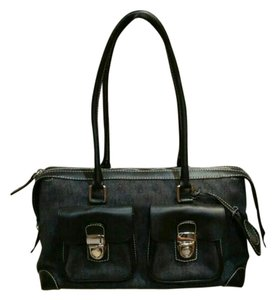 Dooney & Bourke Satchel in Grey/black