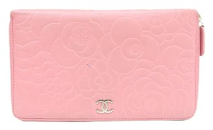 Chanel Chanel Continental Camellia wallet