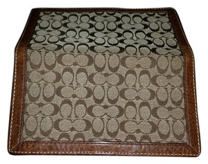 Coach **REDUCED** LTD ED VINTAGE COACH SIGNATURE C JACQUARD BROWN LEATHER CHECKBOOK COVER